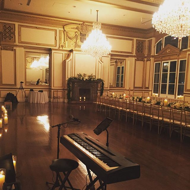 Not an ugly gig. #musicianslife #piano #mommymusician #ballrooms #somuchecho